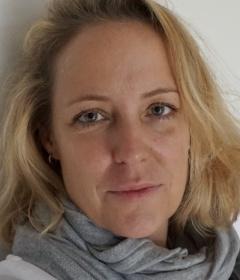 Dr. Anke SCHARRER,